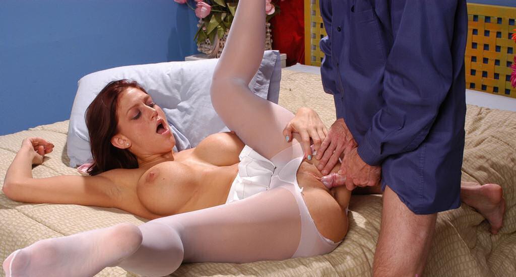 разведи секс дома в белых колготках весы